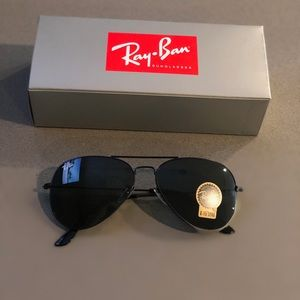 Ray Bans (aviators)
